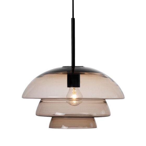 Arkivlampe 4006 large fra Hadeland Glassverk i kakao med sort oppheng