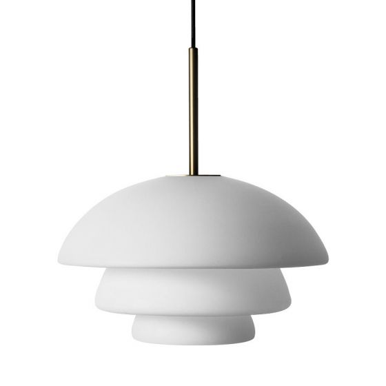 Arkivlampe 4006 large fra Hadeland Glassverk i hvit matt med messing oppheng