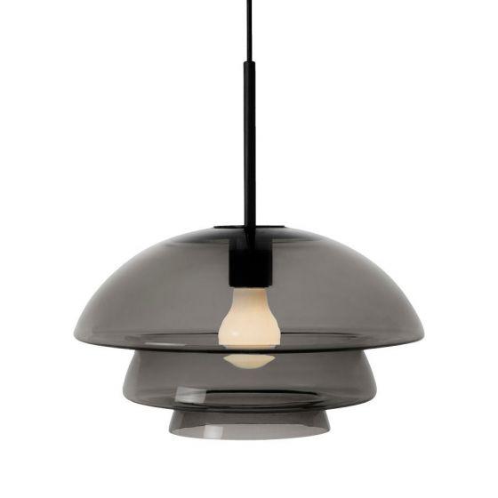Arkivlampe 4006 large fra Hadeland Glassverk i røkgrå med sort oppheng