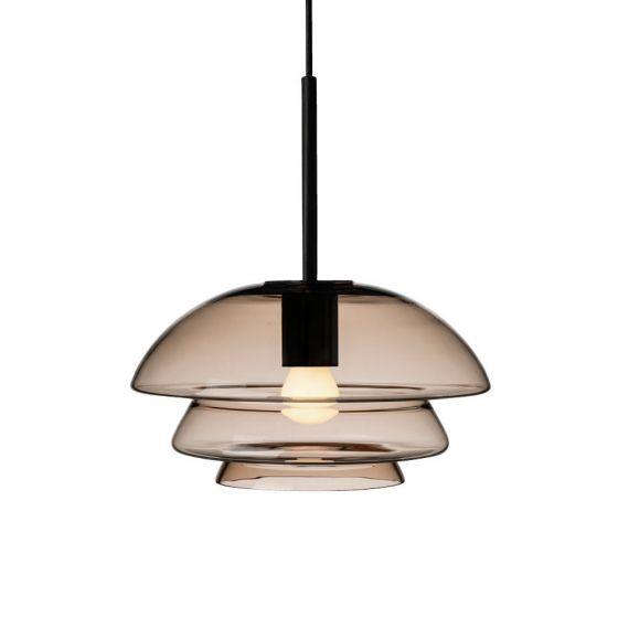 Arkivlampe 4006 small fra Hadeland Glassverk i kakao med sort oppheng