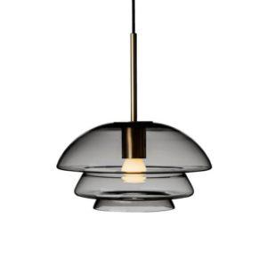 Arkivlampe 4006 small fra Hadeland Glassverk i røkgrå med messing oppheng