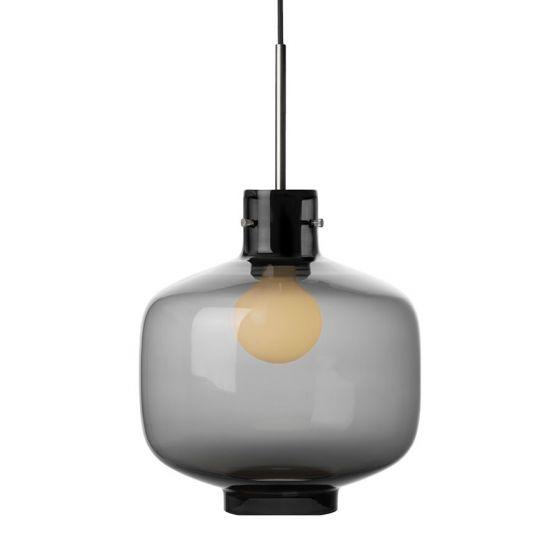 Arkivlampe 4180 fra Hadeland Glassverk i røkgrå med stål oppheng