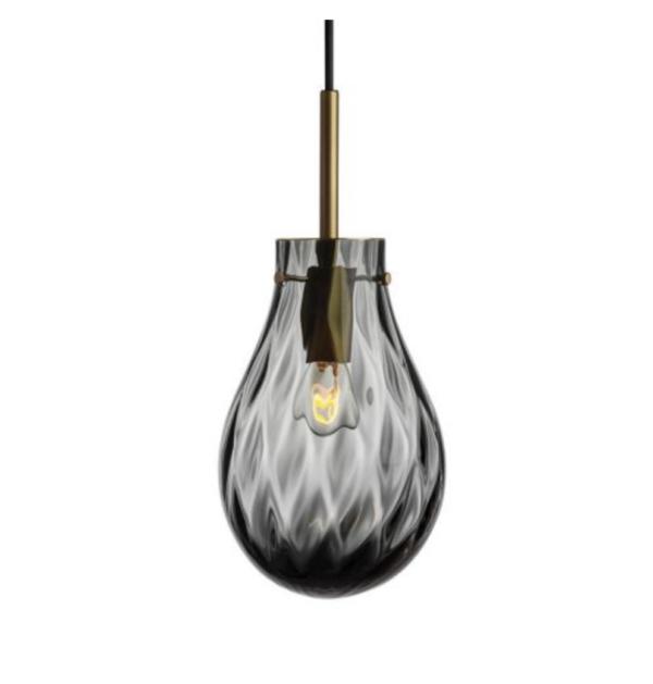 Dråpe lampe med mønster Dobbeltoptikk størrelse liten farge mørk røkgrå med messing oppheng fra Hadeland Glassverk