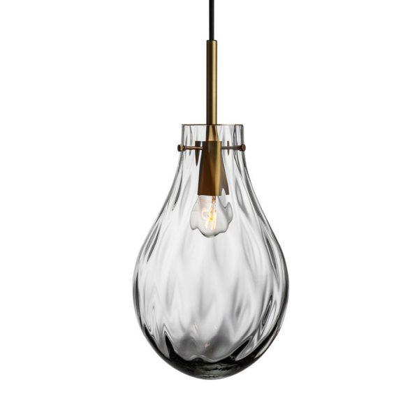 Dråpe lampe med mønster Dobbeltoptikk størrelse stor farge lys røkgrå med messing oppheng fra Hadeland Glassverk