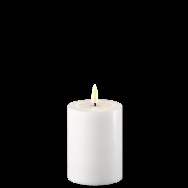 LED lys fra Deluxe Homeart. Litet kubbelys i hvitt