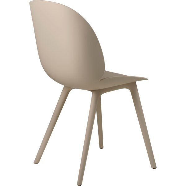 Gubi Beetle Outdoor Dining Chair in New Beige bak