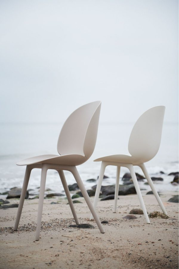 Gubi Beetle Outdoor in New Beige Alabaster White