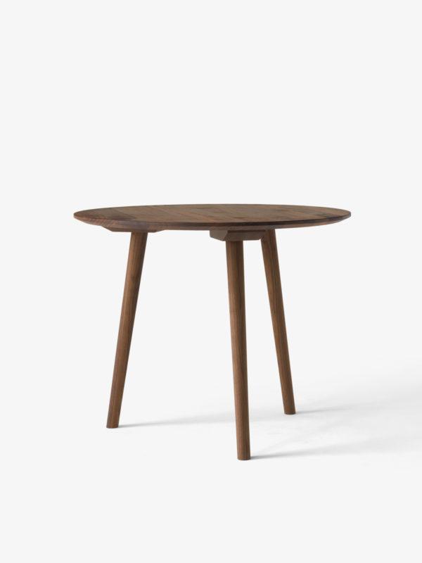 In Between SK3 rundty spisebord i oljet valnøtt fra &tradition