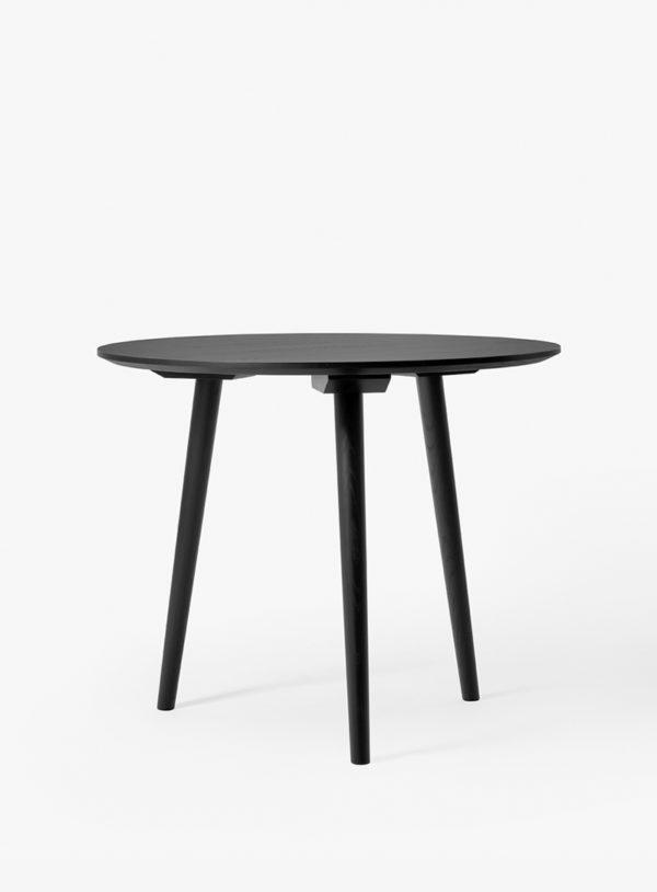 In Between SK3 rundty spisebord i sortbeiset eik fra &tradition