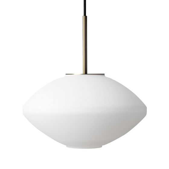 Arkivlampe 4280 fra Hadeland Glassverk i matt hvit farge med messing oppheng