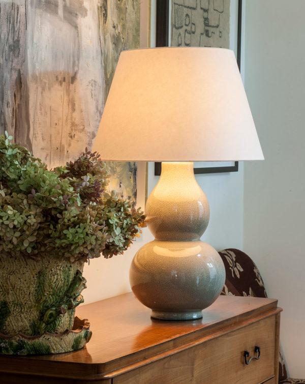 Avebury bordlampe i farge Stone fra Vaughan Designs 2
