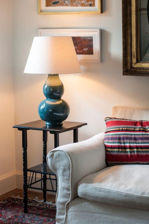 Avebury bordlampe i farge Teal fra Vaughan Designs 2